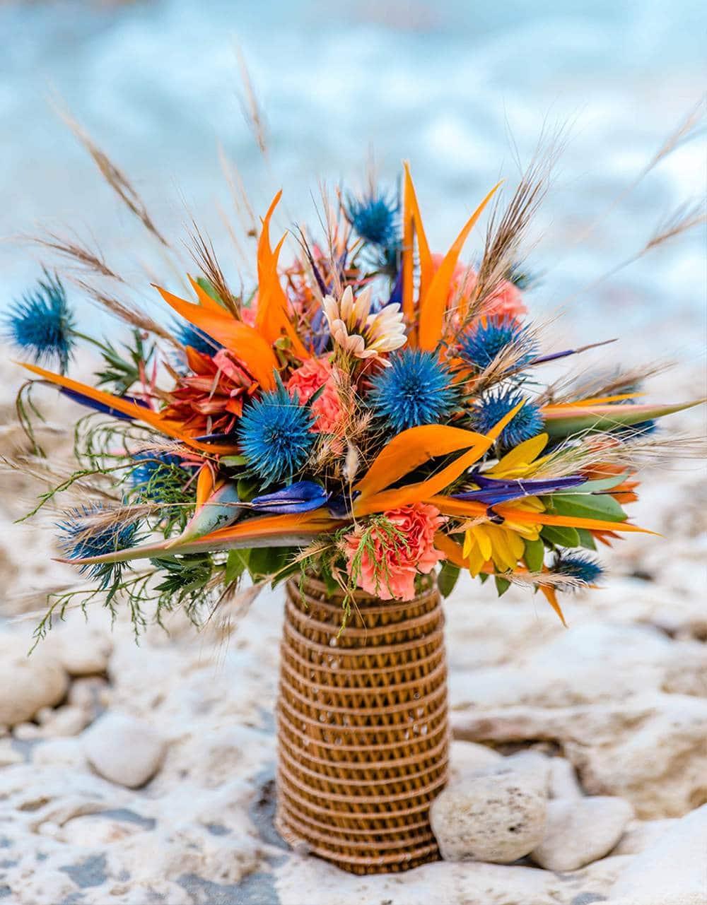 сардинский стильный букет невесты в ловушке для лобстеров
