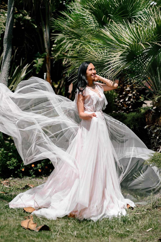 фотосессия прогулки невесты на Сардинии