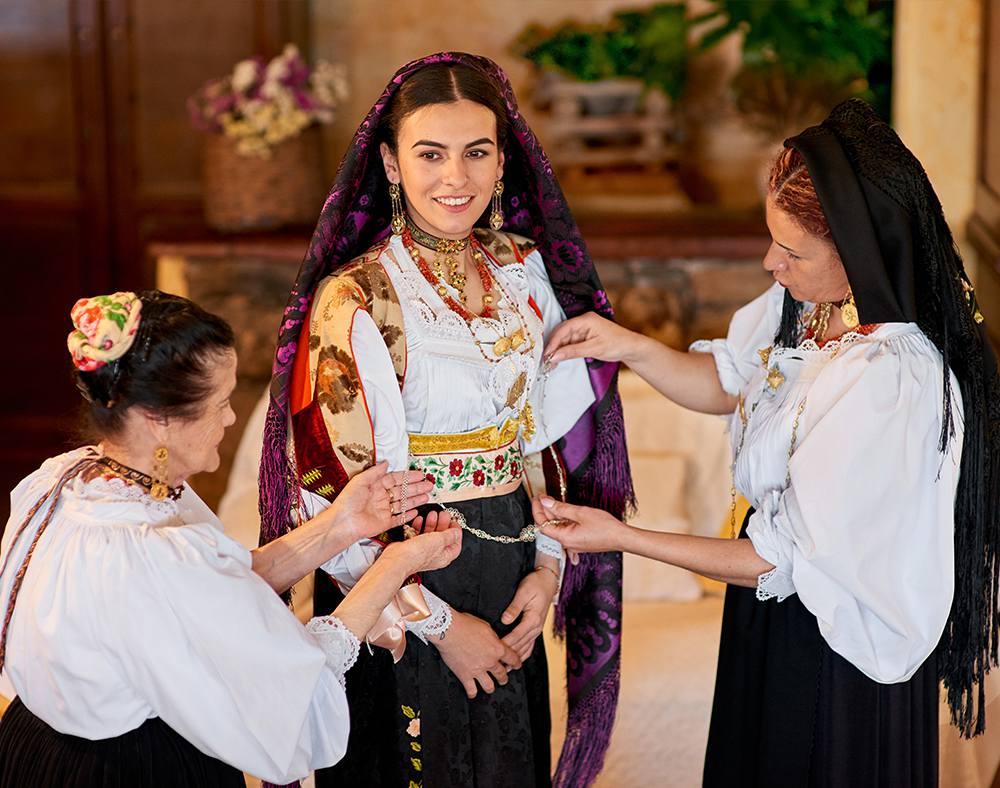 традиционные женские украшения сардинских ювелиров