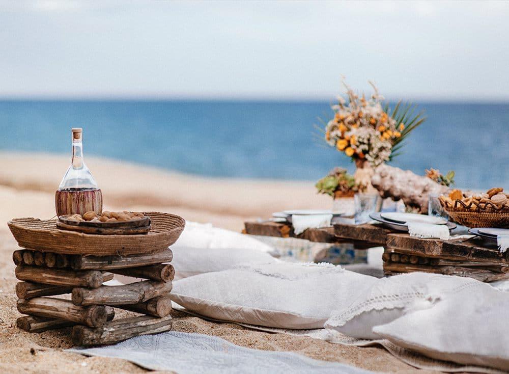 организация пикника на пляже на острове Сардиния