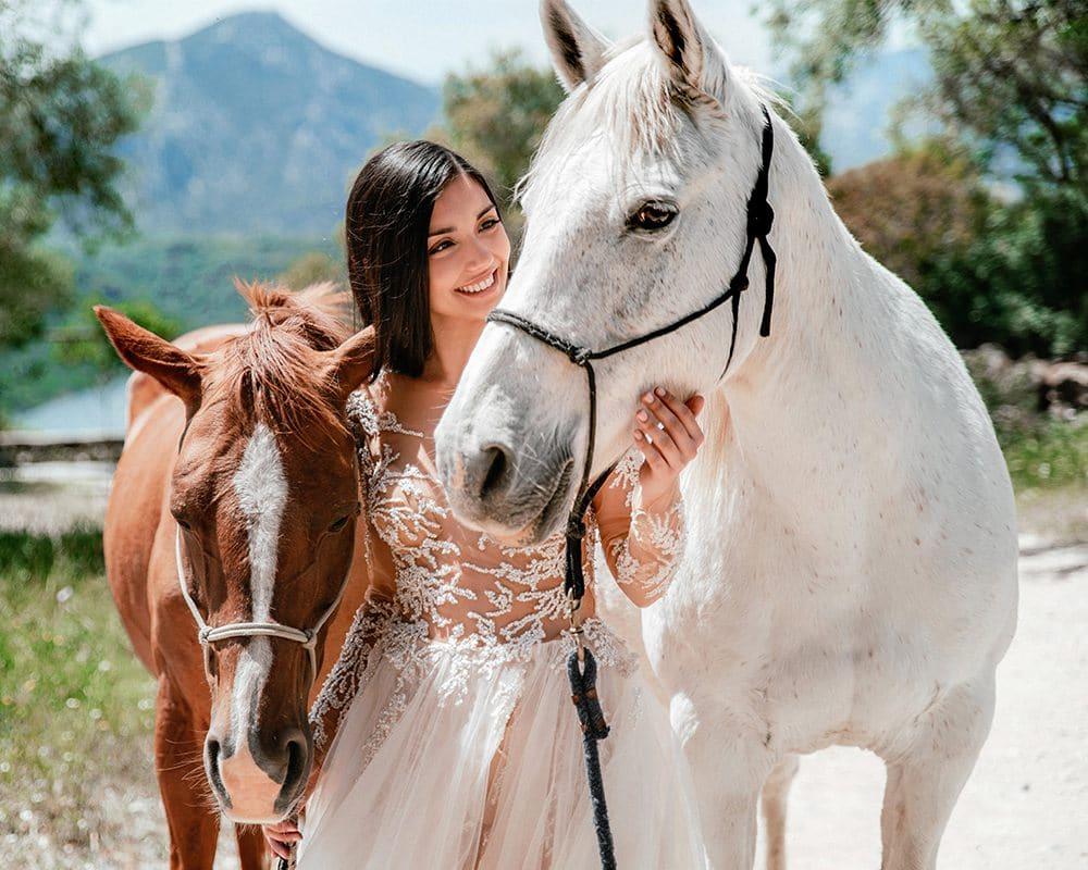 невеста с лошадьми
