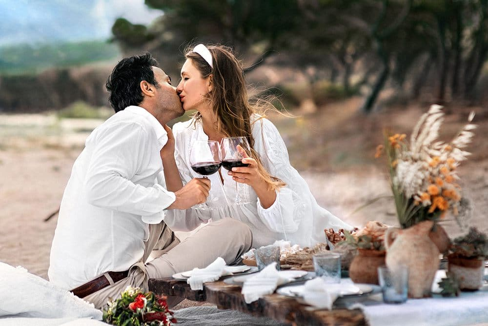 организация романтического ужина на пляже на острове Сардиния