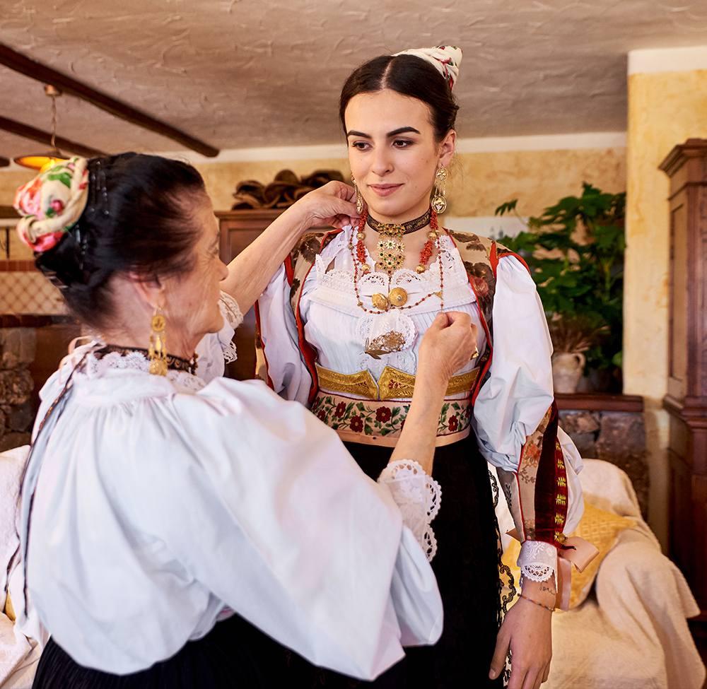 национальные костюмы Италии, сделанные вручную