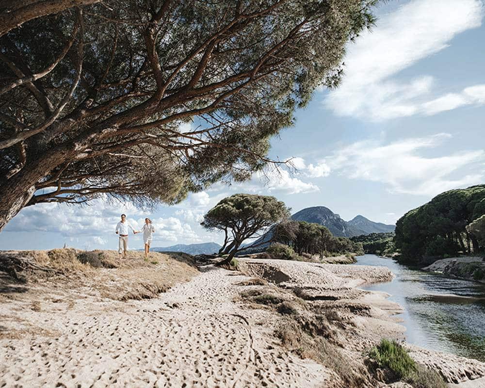 Уникальный пляж на Сардинии для свадебной церемонии