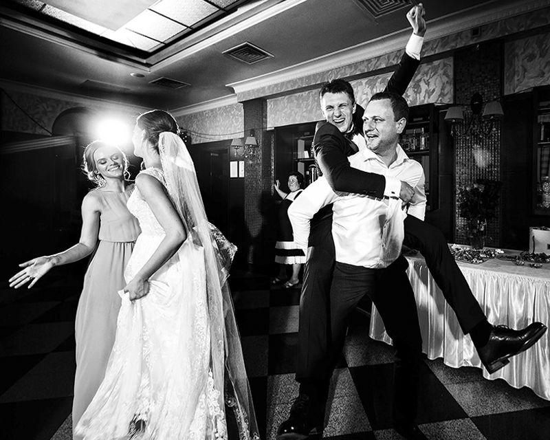 весёлые танцы на свадьбе на сардинии