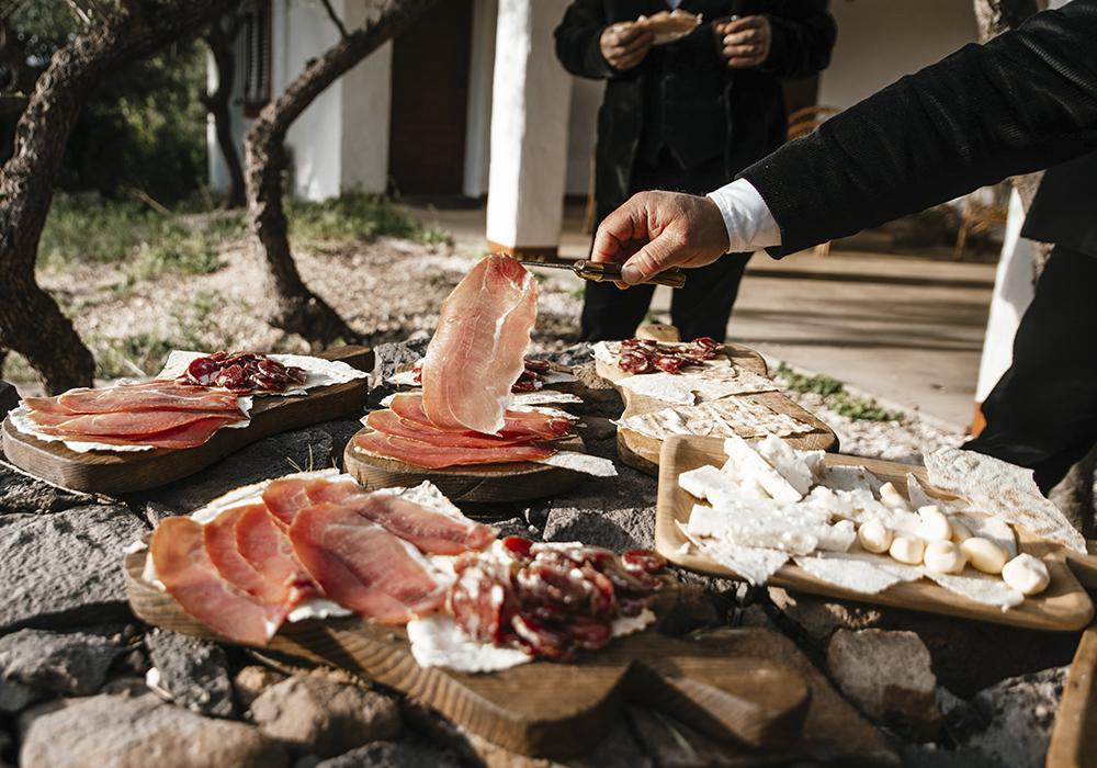 Русскоговорящий гид на Сардинии поможет вам прикостнуться к истокам острова!