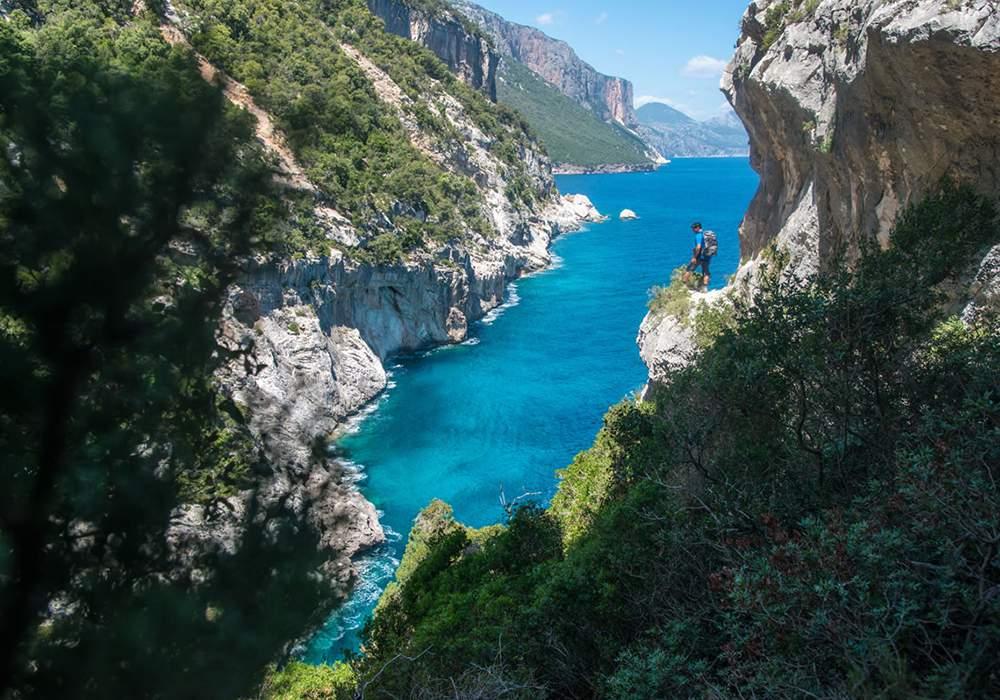 русскоговорящий гид в горах на острове Сардиния