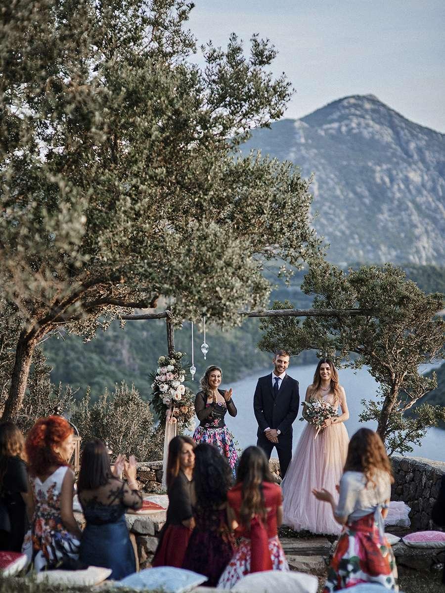 Свадьба в Италии у горного озера на Сардинии