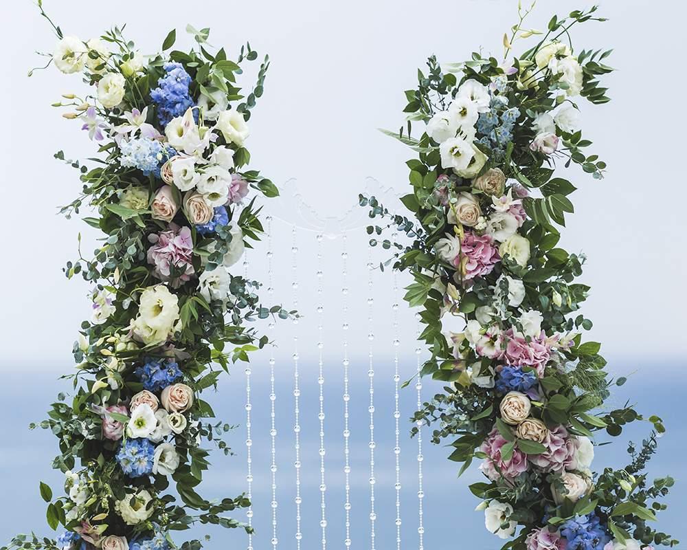 Свадебная арка на берегу моря