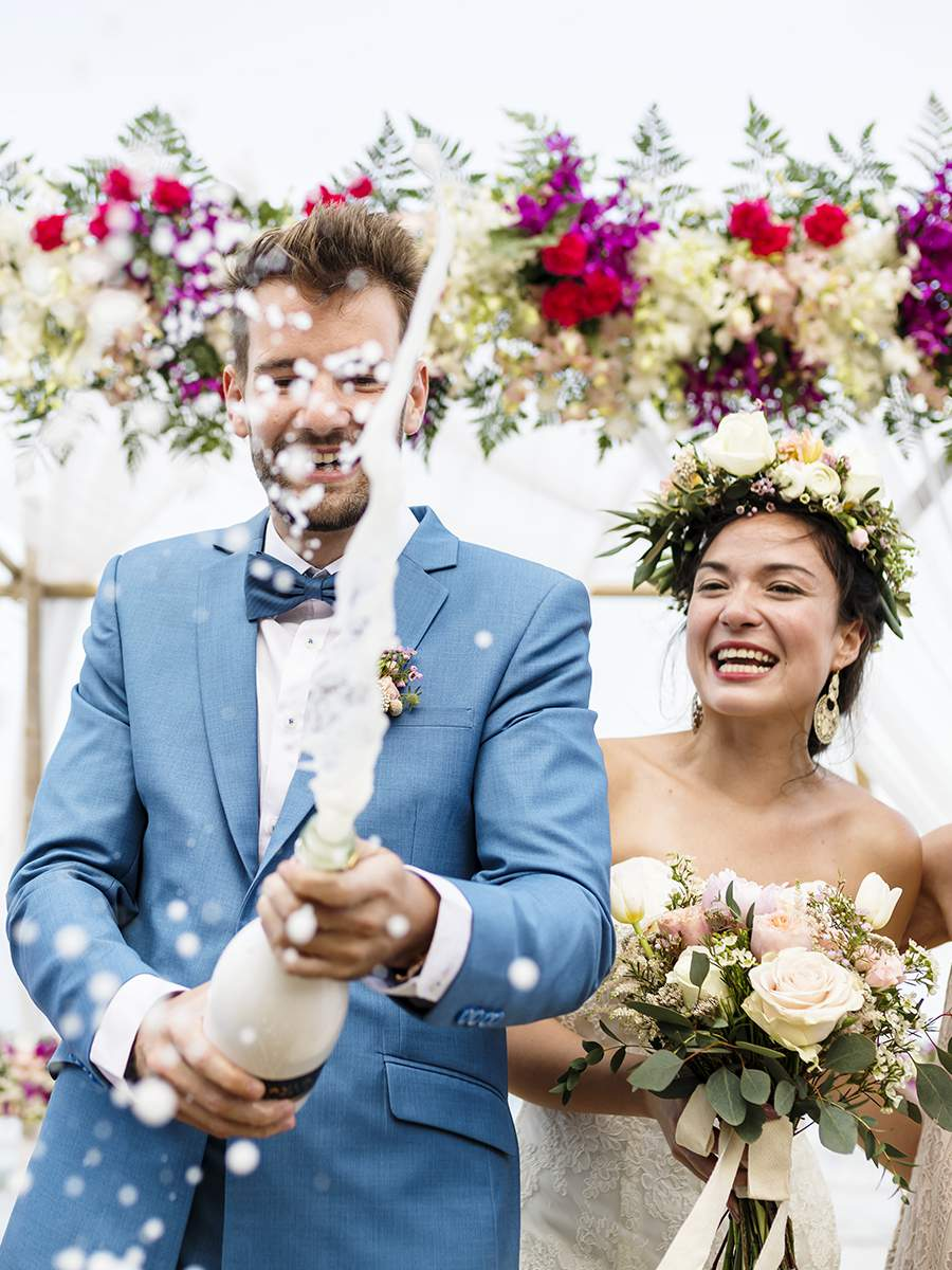 Свадебная церемония в Италии на берегу моря